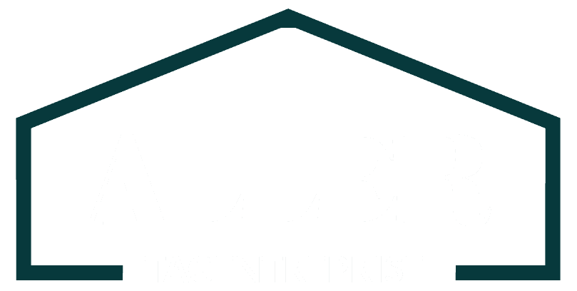Aller Tagentreprise logo hvid - sedumtag, tagpap isolering, listedækning hos vores tagdækker